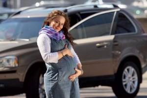беременная за рулем